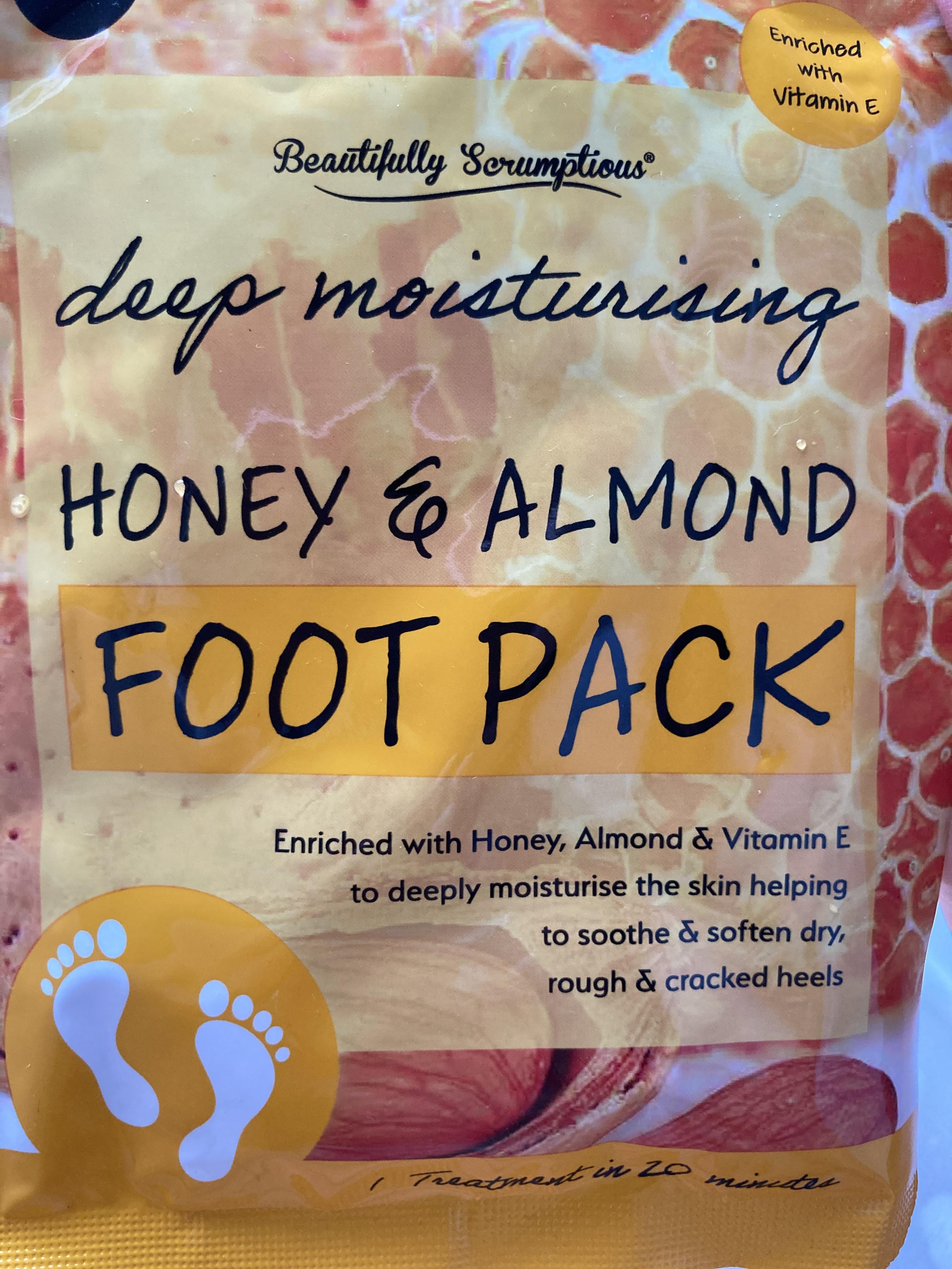 Beautifully Scrumptious Deep Moisturising Honey And Almond Foot Pack