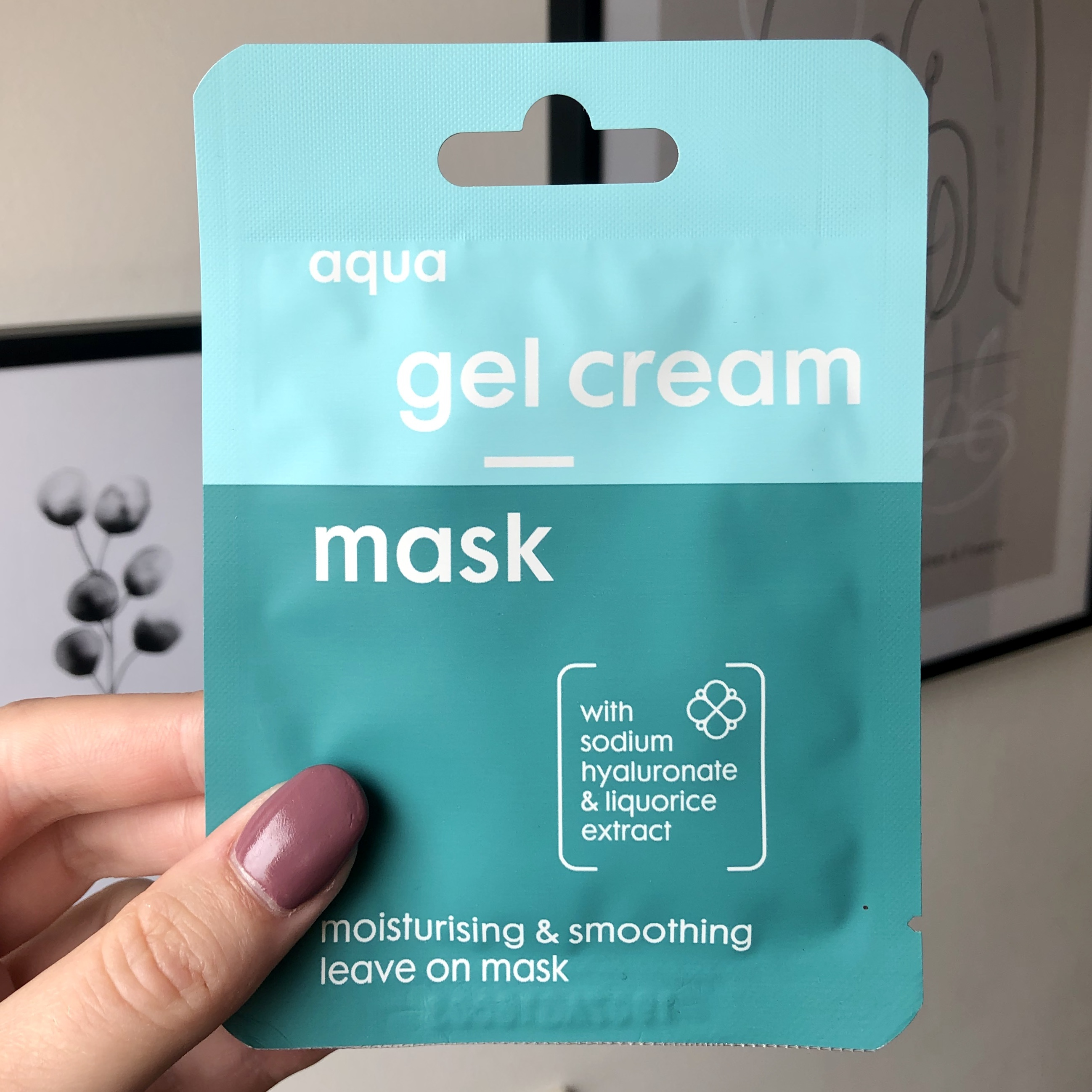 Hema Aqua Gel Cream Mask