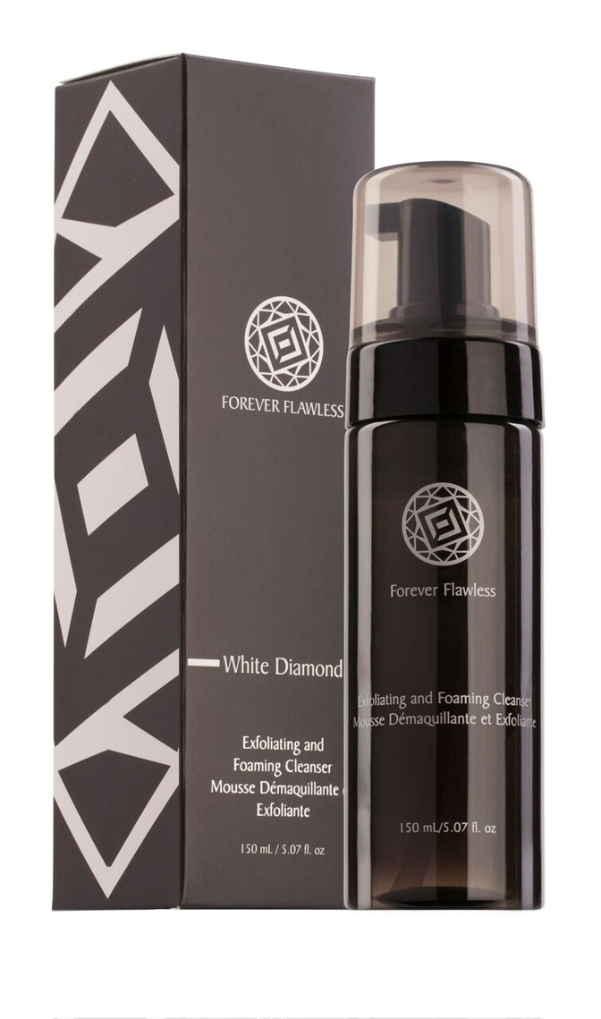 Forever Flawless Diamond Infused Exfoliating & Foaming Cleanser