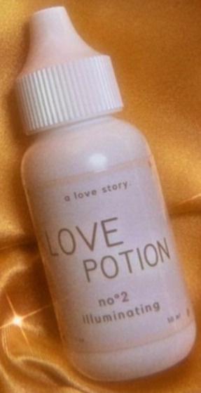 A Love Story Love Potion - No.2 Illuminating