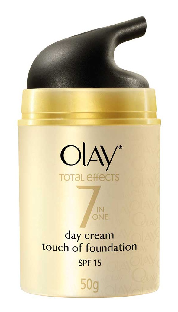 Olay Total Effects 7 in One Touch of Foundation Face Cream BB Crème SPF 15