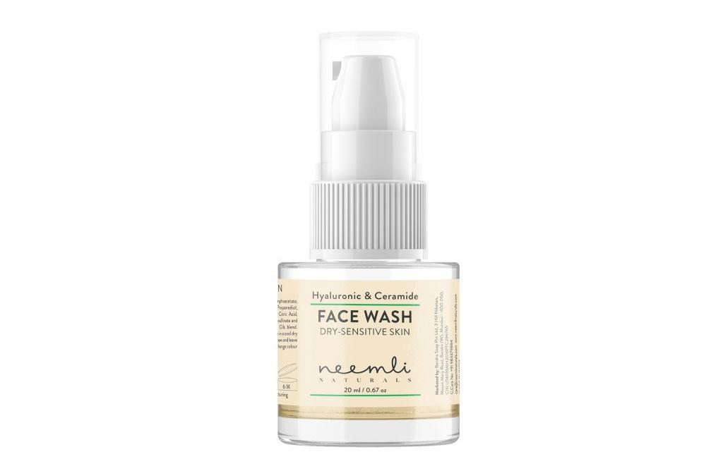 Neemli Naturals Hyaluronic & Ceramide Face Wash